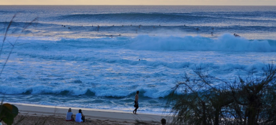 Watch the Surf at Pipeline